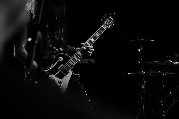 無料VSTを使わない私が選ぶ簡単に太いギターサウンドが作れる2つのフリープラグイン
